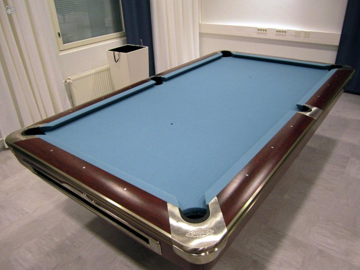 Brunswick Gold Crown V Pool Table Second Hand Suomen - Brunswick gold crown pool table