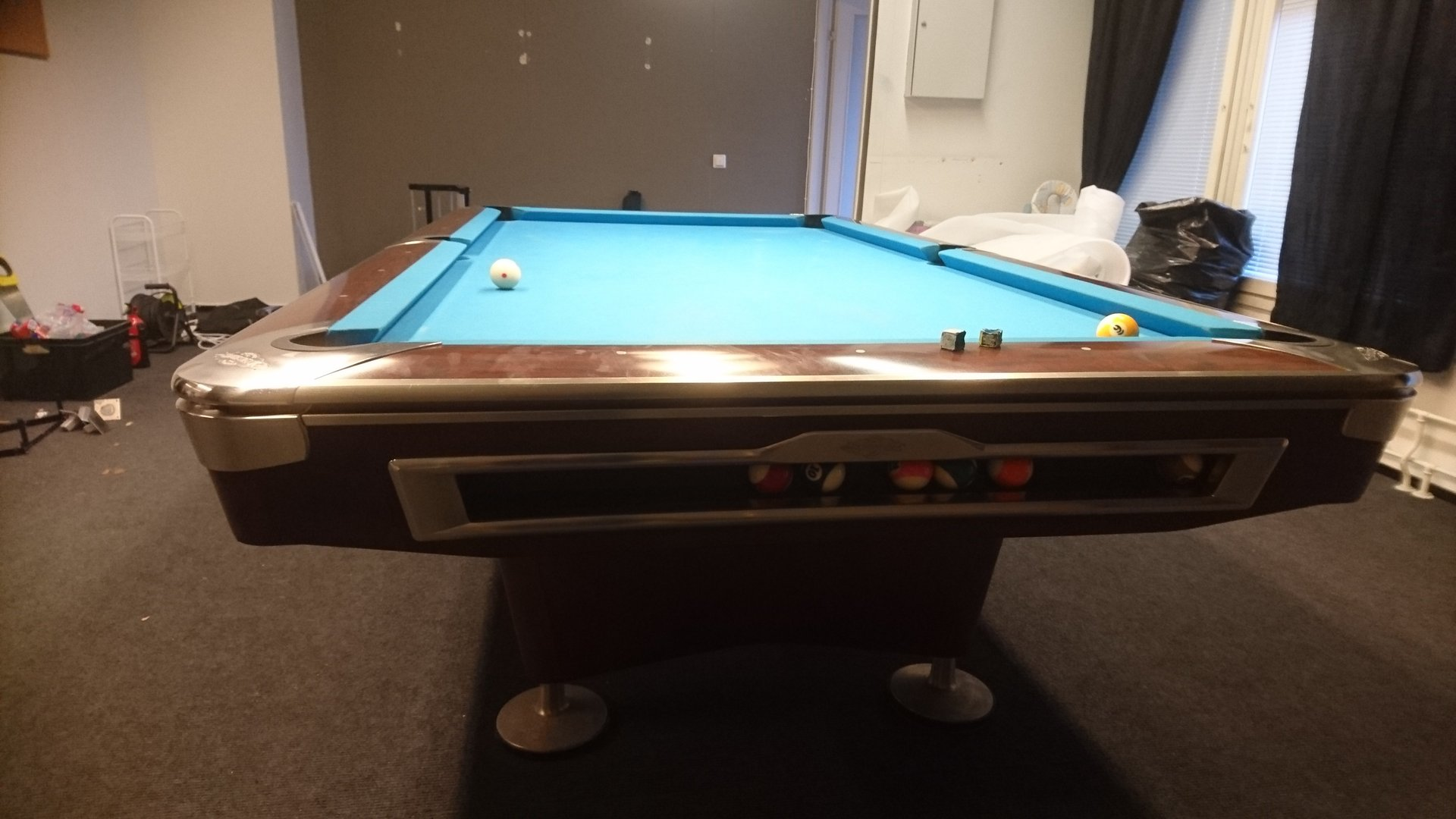 Brunswick gold crown v pool table second hand suomen for Brunswick pool tables